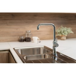 Single-lever kitchen sink mixer with 360° movable folding spout (only 4,5 cm) and 2 jets spray